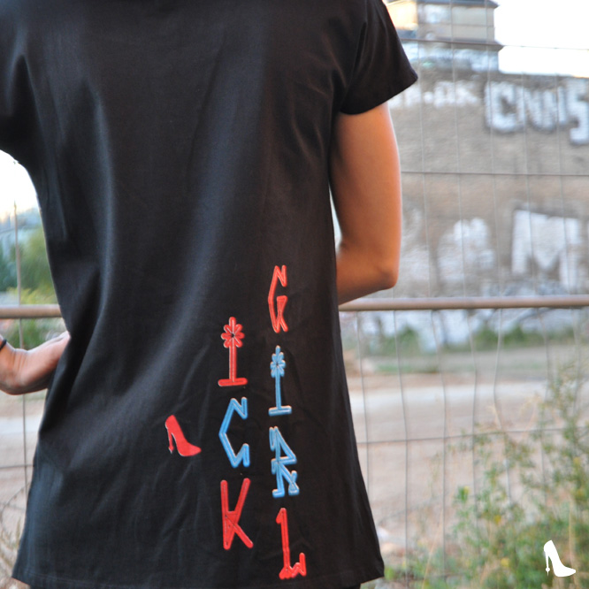 ICKGIRL-ClassicT-Pichacao Backprint-right c-m-w Color-Black Size-S weiter Kragen